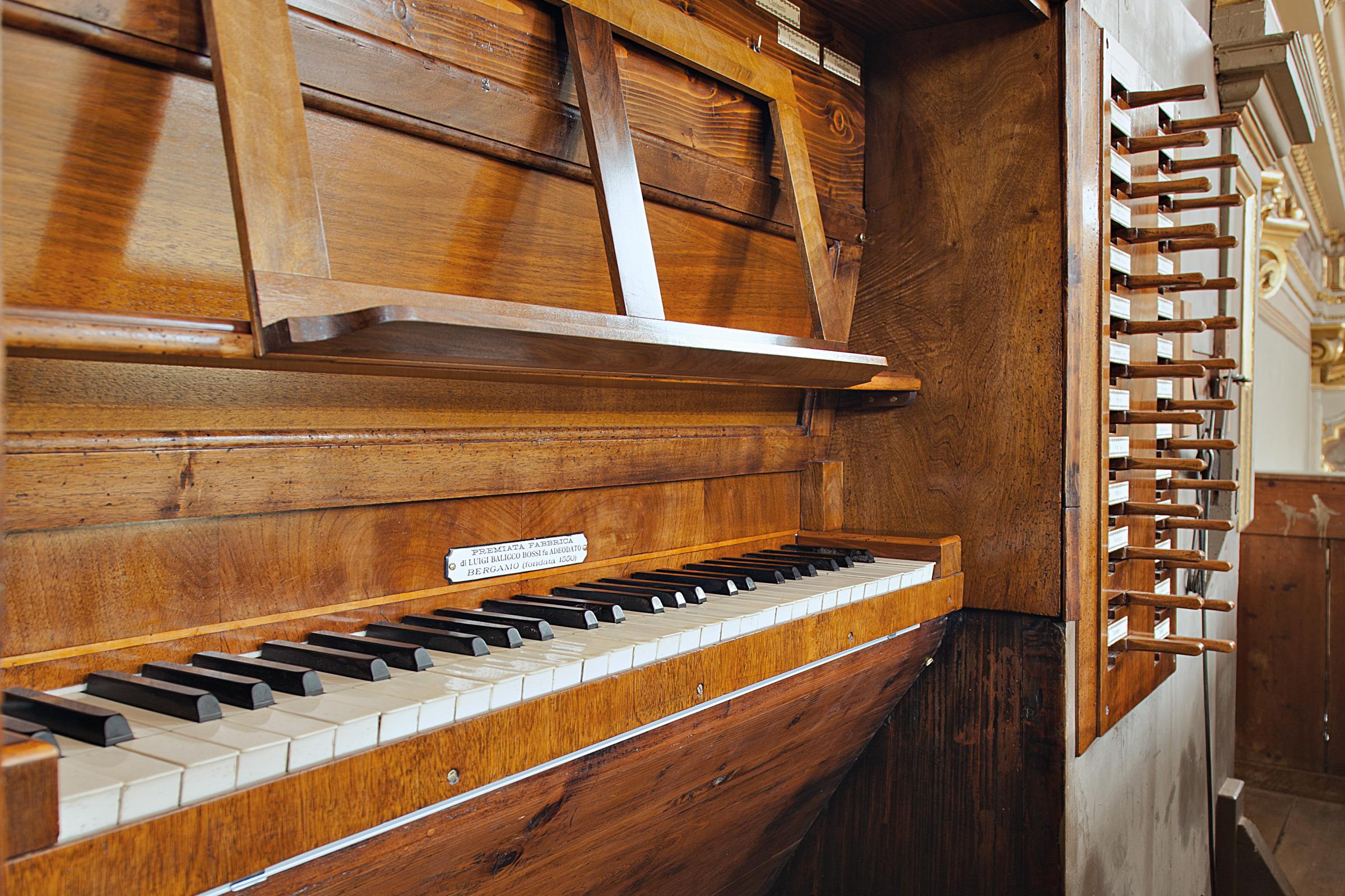 Consolle dell'Organo Luigi Balicco Bossi in Colzate BG